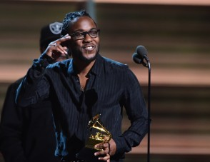 Recording artist Kendrick Lamar recieves the award for the Best Rap Album, To Pimp A Butterfly during the 58th Annual Grammy music Awards in Los Angeles February 15, 2016. AFP PHOTO/ ROBYN BECK / AFP / ROBYN BECK
