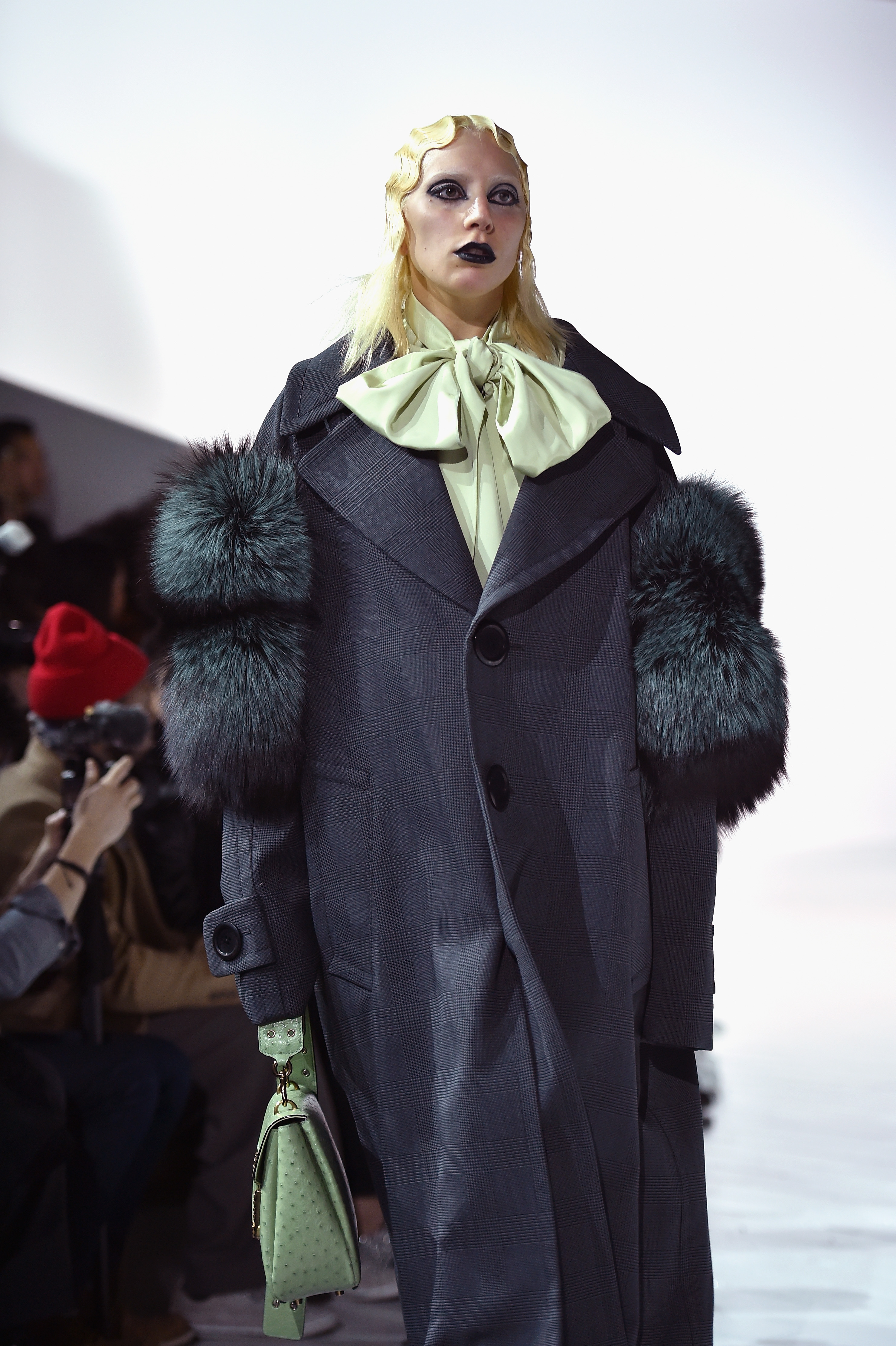 Marc Jacobs Fall 2016 Show – Runway