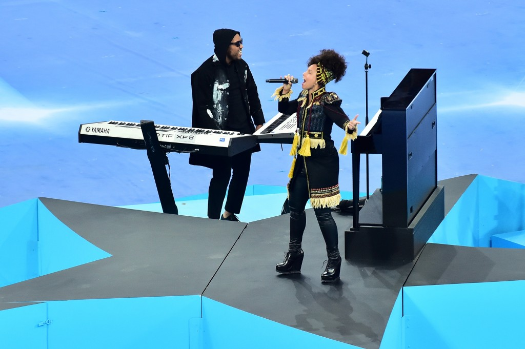 Alicia Keys Champions League Version Fina.jpg (3)