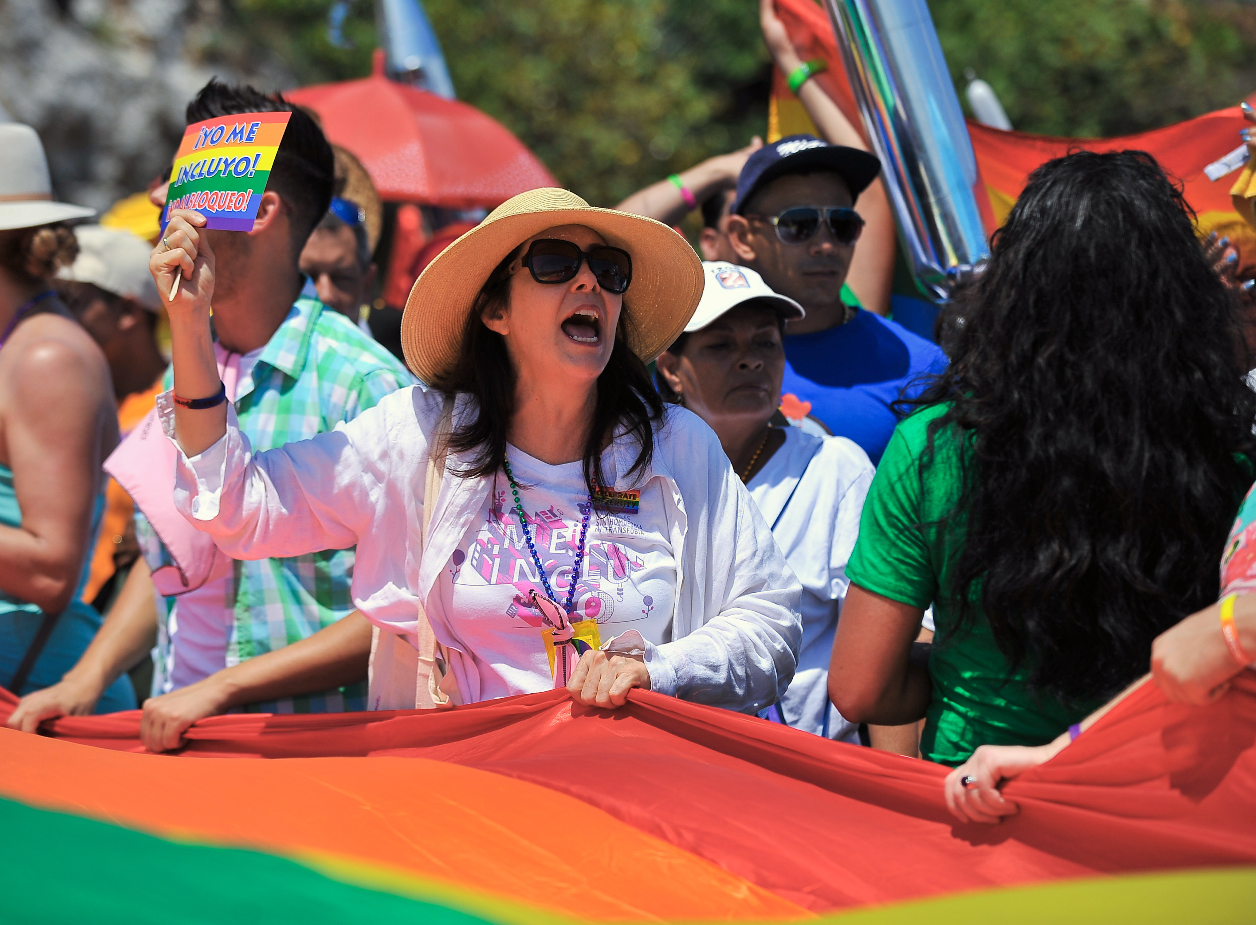 Cuban director of the Cuban National Center for Sex Education (CENESEX) Mariela Castro, daughter of President Raul Castro, participates in a march against homophobia on May 14, 2016 in Havana. / AFP PHOTO / YAMIL LAGE