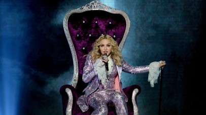 LAS VEGAS, NV - MAY 22: Recording artist Madonna performs a tribute to Prince onstage during the 2016 Billboard Music Awards at T-Mobile Arena on May 22, 2016 in Las Vegas, Nevada. Kevin Winter/Getty Images/AFP == FOR NEWSPAPERS, INTERNET, TELCOS & TELEVISION USE ONLY ==