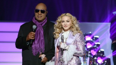 LAS VEGAS, NV - MAY 22: Recording artists Stevie Wonder (L) and Madonna perform a tribute to Prince onstage during the 2016 Billboard Music Awards at T-Mobile Arena on May 22, 2016 in Las Vegas, Nevada. Kevin Winter/Getty Images/AFP == FOR NEWSPAPERS, INTERNET, TELCOS & TELEVISION USE ONLY ==