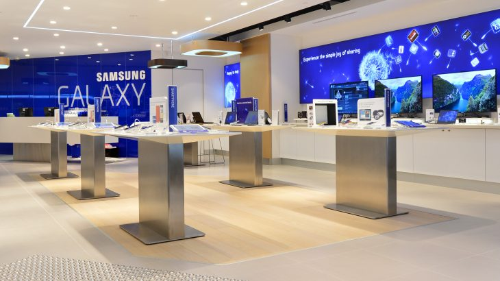 Samsung Geroge St Sydney Opening   22.08.2012 Photos By Fiora Sacco  copyright reserved 2012 mobile 0418 263 125